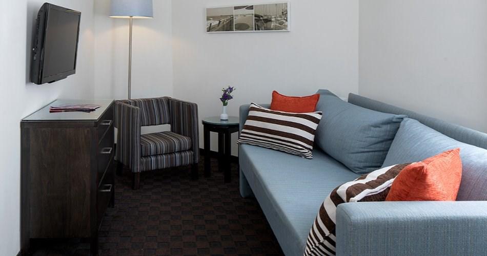 חדר ג'וניור - מלון מטרופוליטן תל אביב