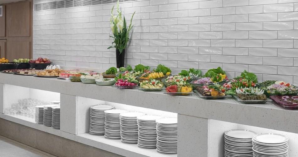 מסעדת מטרו קפה - מלון מטרופוליטן תל אביב