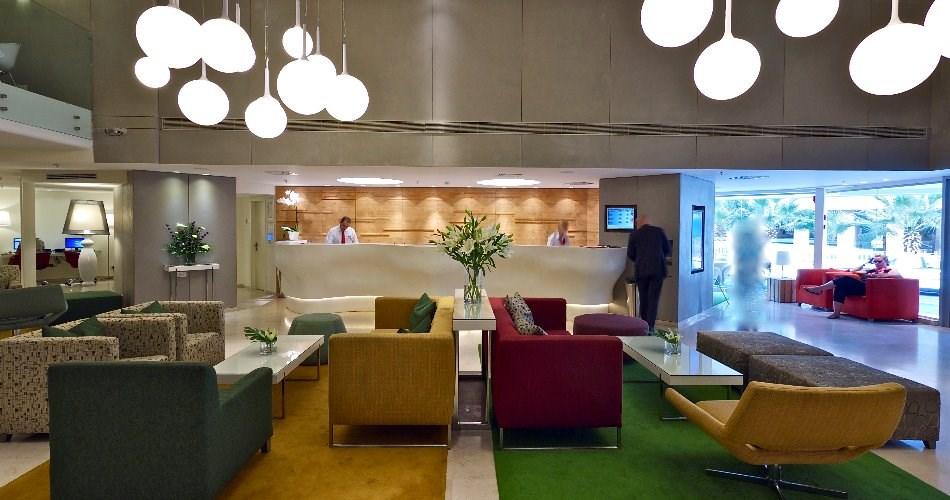לובי - מלון מטרופוליטן תל אביב